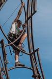 MULHOUSE - França - 10 de julho de 2017 - trabalhadores extremos monta um Attra Foto de Stock