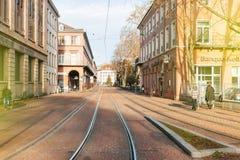 Mulhouse środkowa ulica z tramwajarskimi liniami Fotografia Stock
