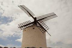 Mulini a vento antichi in La Mancha Immagini Stock Libere da Diritti