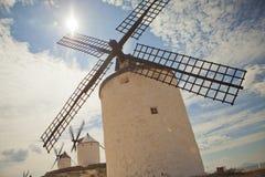 Mulini a vento antichi in La Mancha Fotografia Stock