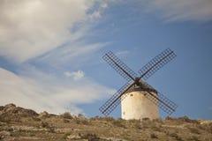 Mulini a vento antichi in La Mancha Fotografie Stock