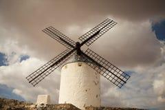 Mulini a vento antichi in La Mancha Immagine Stock Libera da Diritti