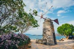 Mulini a vento antiquati sul plateau di Lasithi crete Immagini Stock Libere da Diritti