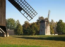 Mulini a vento di legno fotografie stock libere da diritti