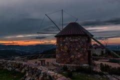 Mulini a vento di Serra da Atalhada, Penacova, Portogallo Fotografie Stock Libere da Diritti
