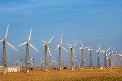 Mulini a vento generatori di forza motrice Fotografia Stock