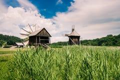 Mulini a vento nel museo del villaggio Immagini Stock Libere da Diritti