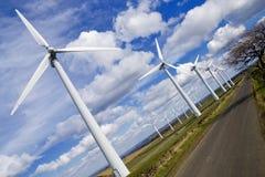 Mulini a vento nel windfarm Immagini Stock