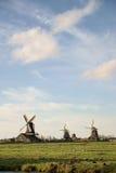 Mulini a vento olandesi tradizionali Immagini Stock Libere da Diritti