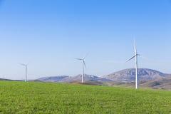 Mulini a vento in una campagna dell'Andalusia, Spagna Fotografia Stock