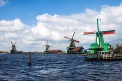 Mulini a vento vicino a Zaanse Schans Fotografie Stock Libere da Diritti