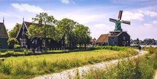 Mulini a vento in Zaanse Schans netherlands fotografia stock libera da diritti