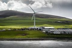 Mulino di vento nelle isole Orkney Fotografie Stock Libere da Diritti