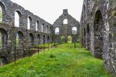 Mulino in disuso dell'ardesia di Pont y Pandy, Galles del nord, Regno Unito Fotografia Stock