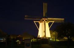 Mulino a vento alla notte Fotografie Stock