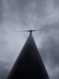 Mulino a vento alto Fotografia Stock