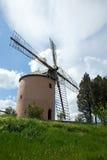 Mulino a vento antico sulla collina Immagine Stock Libera da Diritti
