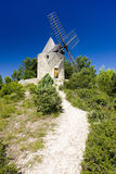 Mulino a vento, Boulbon fotografia stock