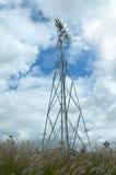 Mulino a vento in campagna Fotografie Stock