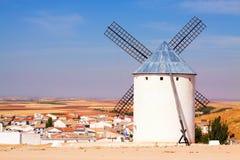 Mulino a vento in Campo de Criptana Fotografia Stock Libera da Diritti