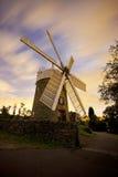 Mulino a vento con cielo notturno Fotografia Stock