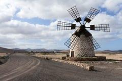 Mulino a vento con sei pale Fotografia Stock Libera da Diritti