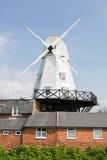 Mulino a vento della segale dal fiume Tillingham Fotografia Stock