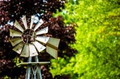 Mulino a vento di estate Immagini Stock