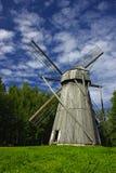 Mulino a vento di legno Fotografie Stock