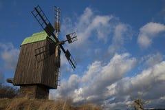 Mulino a vento di legno Fotografia Stock