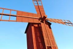 Mulino a vento di legno rosso Fotografia Stock