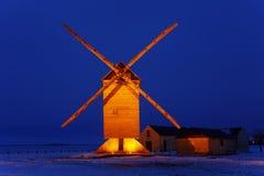 Mulino a vento di legno tradizionale Immagini Stock
