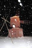 Mulino a vento di notte dello Snowy Fotografia Stock Libera da Diritti