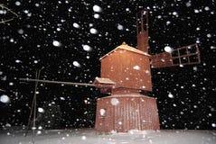 Mulino a vento di notte dello Snowy Fotografia Stock