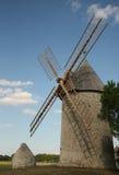 Mulino a vento di pietra immagine stock