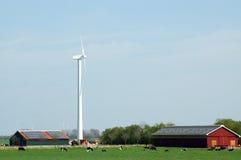 Mulino a vento e comitati solari Immagine Stock
