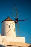 Mulino a vento famoso di Santorini Immagini Stock