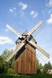 Mulino a vento molto vecchio Fotografia Stock