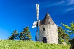Mulino a vento Montfuron, Provenza, Francia fotografie stock