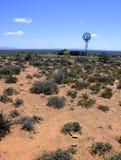 Mulino a vento nel deserto di karoo Immagini Stock