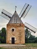 Mulino a vento nel sud della Francia Fotografia Stock Libera da Diritti