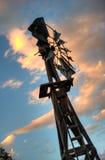 Mulino a vento nella campagna Immagine Stock Libera da Diritti