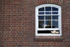 Mulino a vento nella finestra Fotografia Stock Libera da Diritti