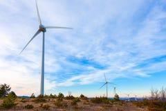 Mulino a vento o aerogenerator tipico Fotografia Stock