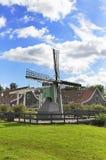 Mulino a vento olandese tradizionale Fotografia Stock Libera da Diritti
