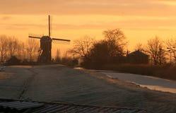Mulino a vento in sole di mattina Fotografie Stock
