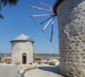 Mulino a vento storico della Turchia Cesme Alacati Immagini Stock Libere da Diritti