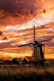 Mulino a vento a terra di Sailer del bello grembiule Fotografia Stock