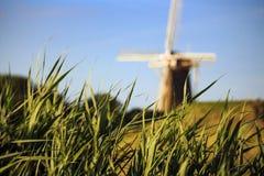 Mulino a vento tipico nei Paesi Bassi Immagini Stock Libere da Diritti
