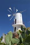 Mulino a vento tradizionale a Crete, Grecia Immagini Stock